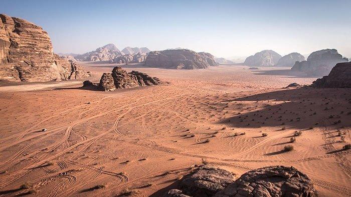 dune_movie_setting_wadi_rum_via_getty_images_2bc6cafe31dd1c6fcfdd36b12b6c78bad8539cab-min.jpg